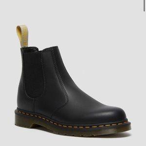 DR MARTENS Vegan Chelsea Original Boots Unisex